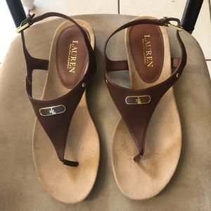 8.5B Ralph Lauren brown leather thong sandals